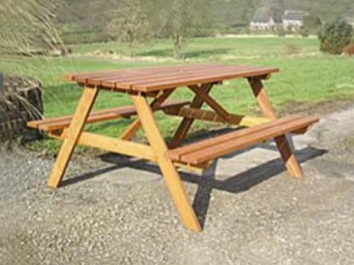 Mesas de jardin muebles de jardin for Mesas de madera para jardin