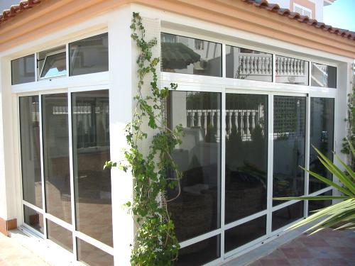Cerramientos de policarbonato cerramientos de aluminio for Cerramientos oficinas