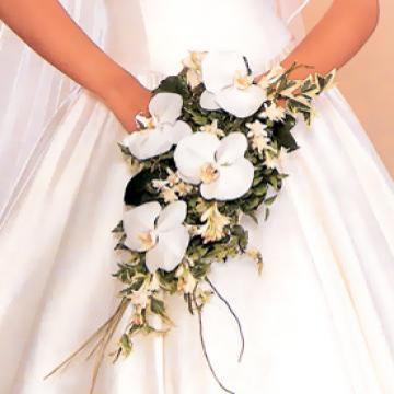 Tocado de novia para casamiento con flores naturales.
