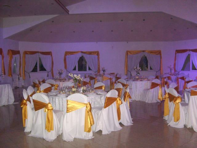 Decoracion de bodas for Arreglos para boda en salon