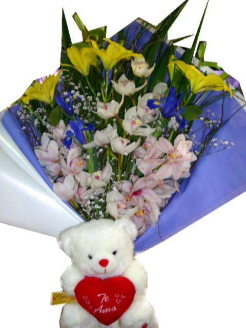 Ramo de 12 rosas para dia de los enamorados dia de san valentin.