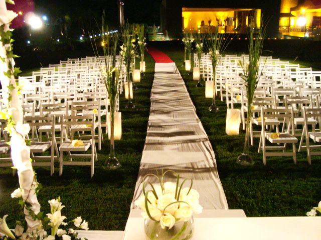 1000 images about arreglos iglesias on pinterest aisle for Arreglos florales para boda en jardin