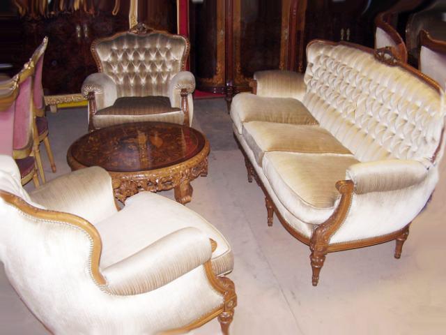 Muebles antiguos y juegos de living con mesita de sala frances