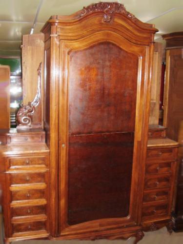 Muebles de estilo for Roperos antiguos restaurados