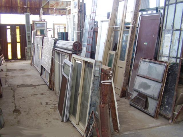 Remates de materiales para la construccion for Compro puertas usadas