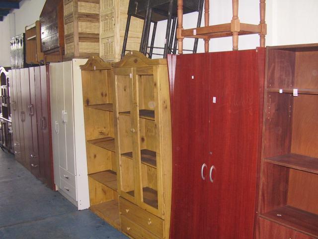Venta de muebles antiguos for Muebles baratos remate